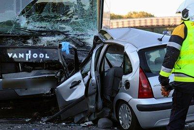 RTL Today - Latest on bus-car collision: Deadly A3 crash has