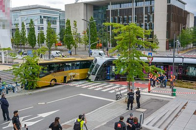 RTL Today - Kirchberg accident: Tram running again after
