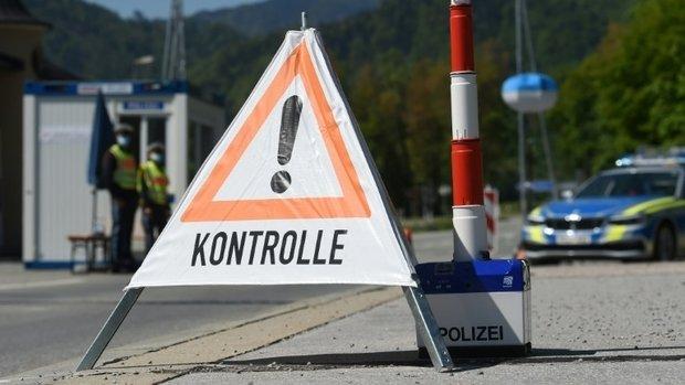 Germany announces gradual easing of border controls