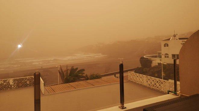 Les huit aéroports des Canaries ferment en raison d'une tempête de sable