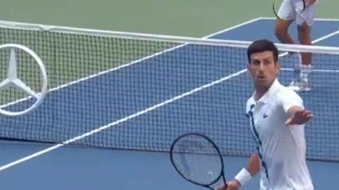 Novak Djokovic disqualifé des Internationaux des États-Unis... pour ça?!