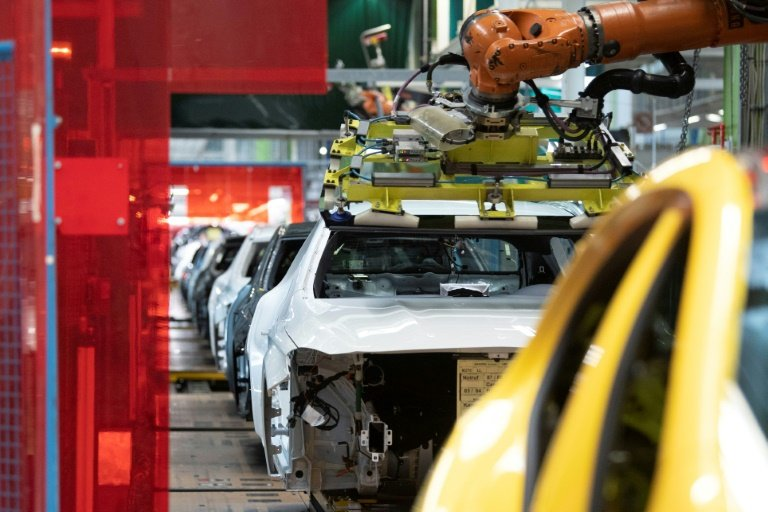 German manufacturing sector weakens more than expected