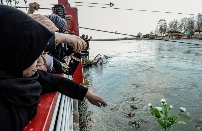 Iraq prime minister asks MPs to fire governor over deadly ferry capsize