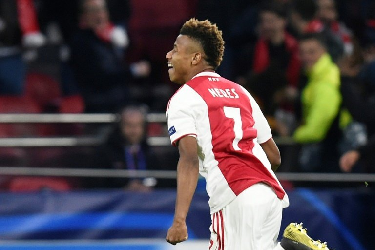 Arsenal scouts watch Ajax pair in Turin