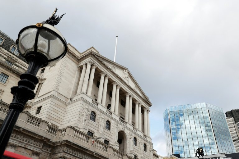 Bank of England freezes interest rates at 0.75%