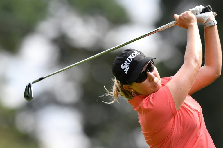 Buhai holds surprising lead at women's British Open