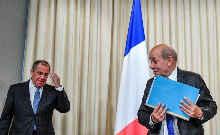 Deux ministres français à Moscou sur fond de détente prônée par Macron