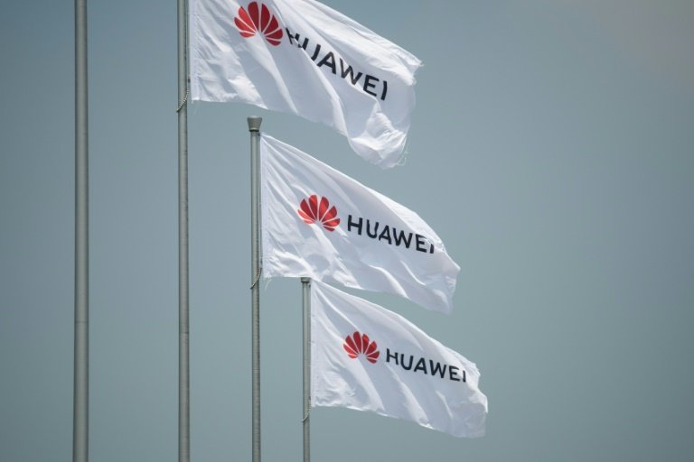 Huawei CEO says willing to license 5G tech to US firm