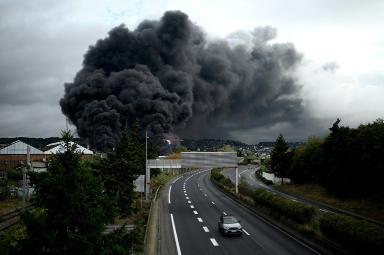 Large fire breaks out at French factory in Rouen