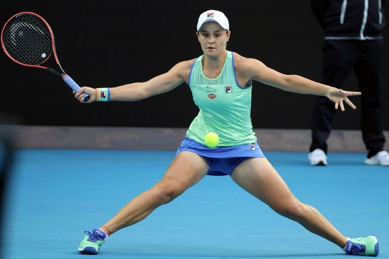 Barty scrapes through to Australian Open quarters