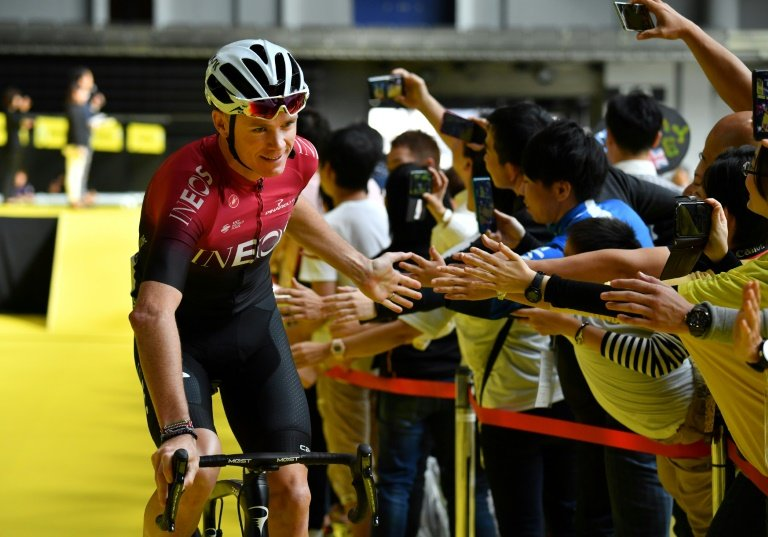 Froome returns as Ackermann takes UAE first stage