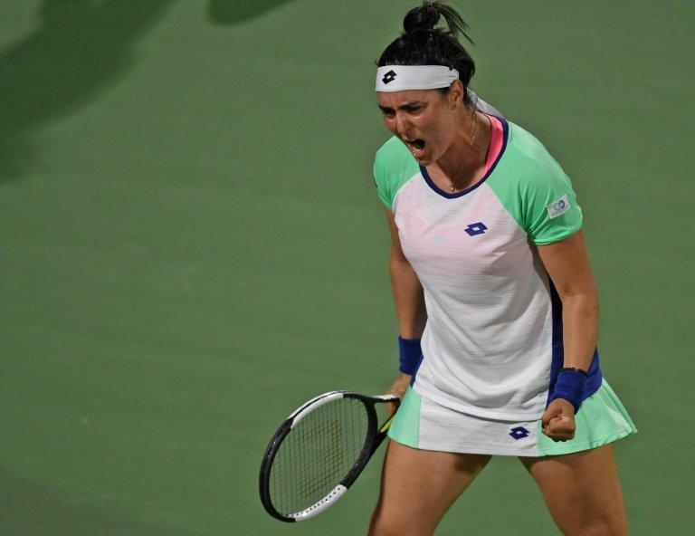 Barty beats Muguruza to set up Doha semifinal vs. Kvitova