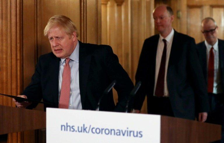 Johnson en appelle à la 'distanciation sociale — Coronavirus