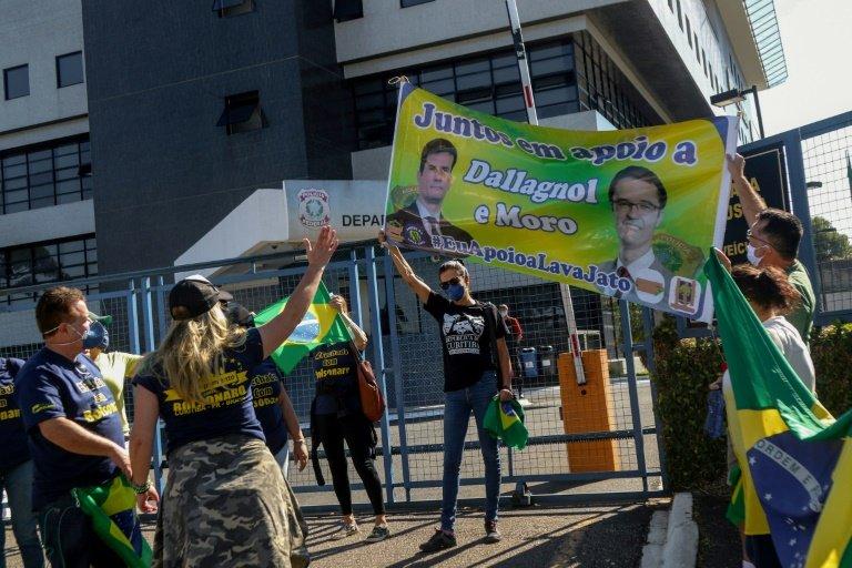 Bolsonaro soutient la reprise rapide des compétitions — Brésil