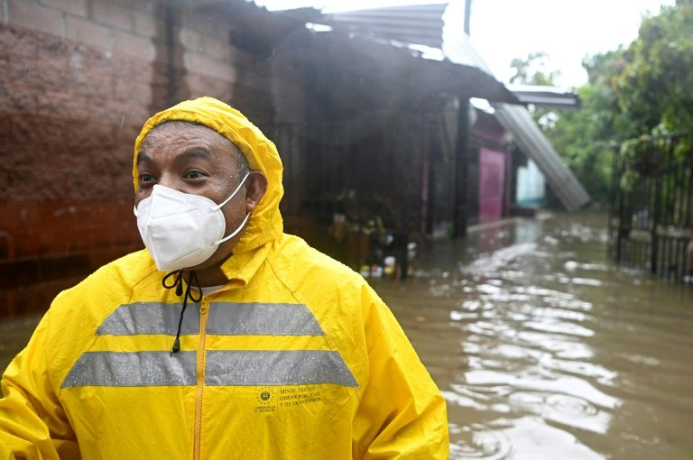 1st tropical storm of the season drenches part of Central America
