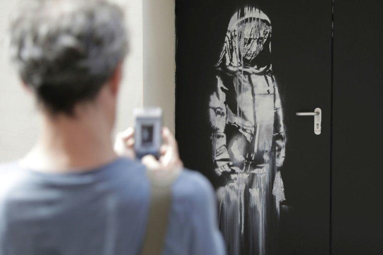 Volée au Bataclan, cette œuvre de Banksy a été retrouvée en Italie