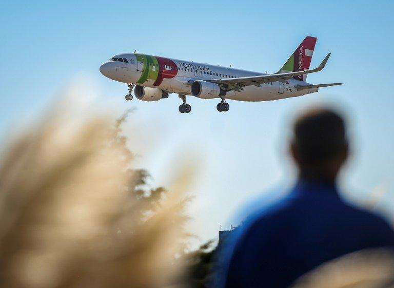 5 ans après sa privatisation, l'Etat renationalise la compagnie — TAP Portugal