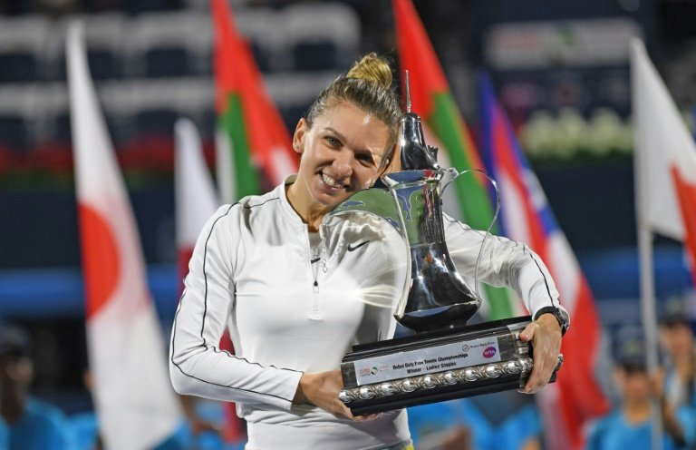 Halep struggles but advances on return at Prague Open