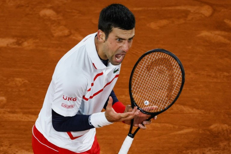 Djokovic hits line judge with ball