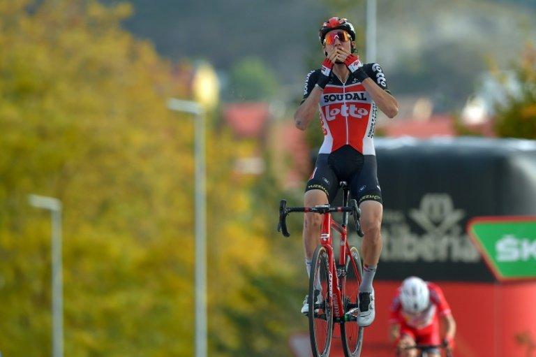 Wellens wins Vuelta stage five, Roglic still leads overall