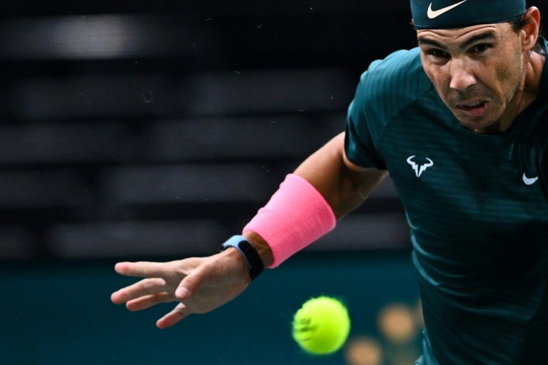 Nadal reaches Paris Masters last eight with win 1,001