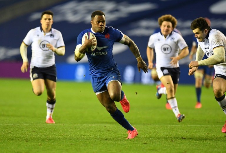 Vakatawa scores for France as they defeat Scotland