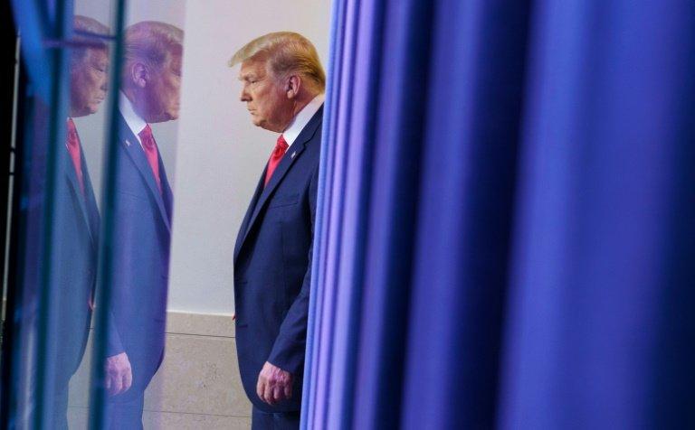 Trump gracie Flynn, son ancien conseiller à la sécurité nationale