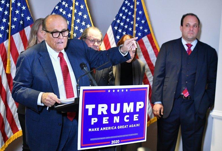 États-Unis : Rudy Giuliani positif à la covid-19