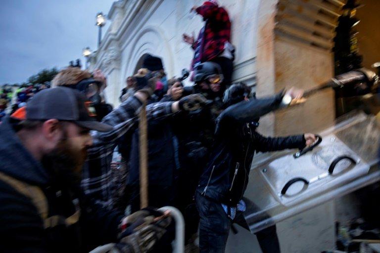 U.S. issues nationwide alert over domestic `violent extremists`