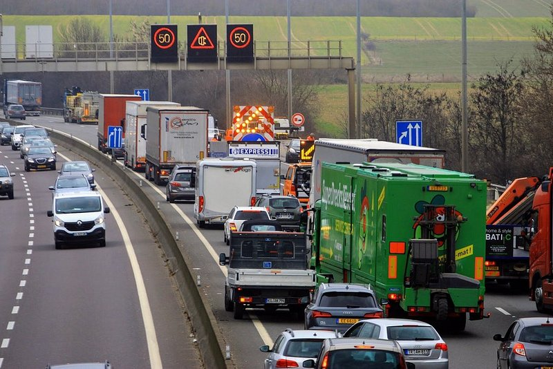 RTL Today - Traffic: 15 kilometres of tailbacks on the A4