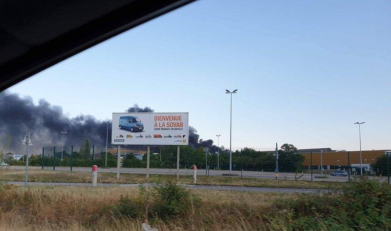 Un incendie fait un blessé grave à l'usine Renault de Batilly — Lorraine