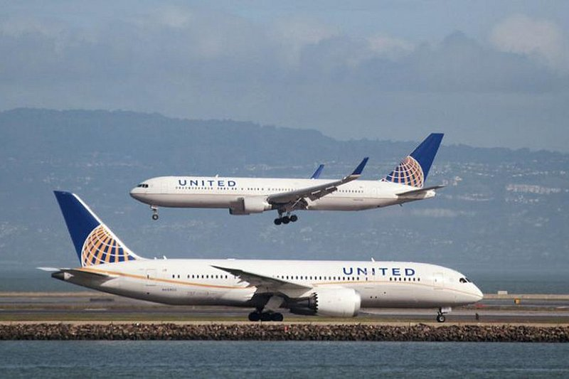 Sneezing passenger causes plane diversion in the US