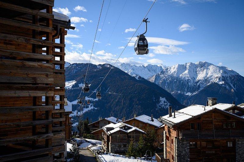 Suisse : 200 voyageurs britanniques fuient leur quarantaine